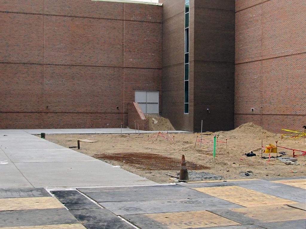 Courtyard-Concrete-Paving_1024x768
