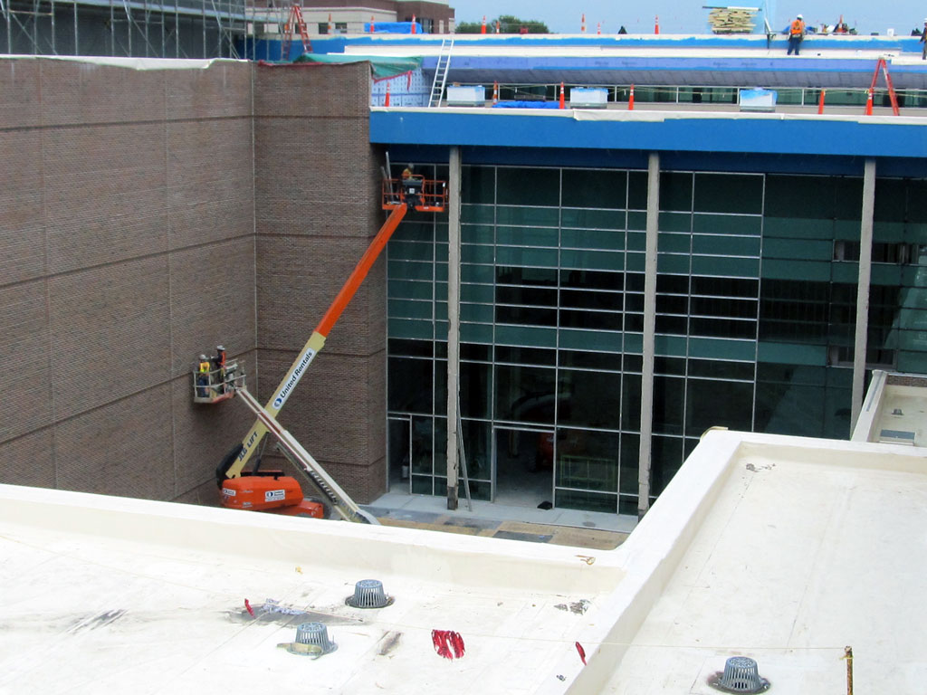 Courtyard-Curtainwall-Progress_1024x768